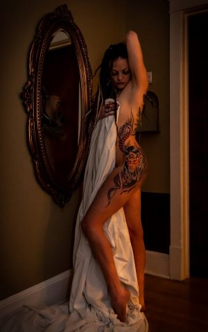 Miyah tantra massage in Appleton WI