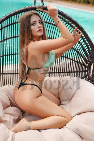 Annaele live escort and thai massage