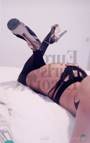 Ariane escorts in Jefferson City & erotic massage