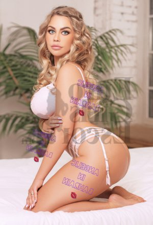 Anemone escort in North Miami and tantra massage