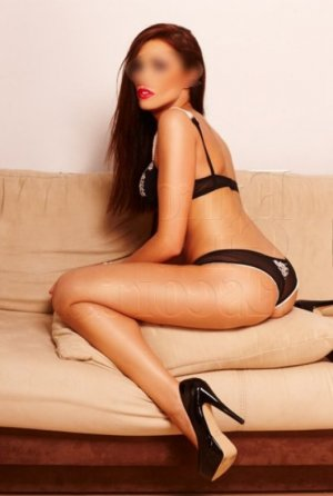 Ketsia live escort, thai massage